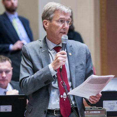 Sen. Jensen speaking on floor