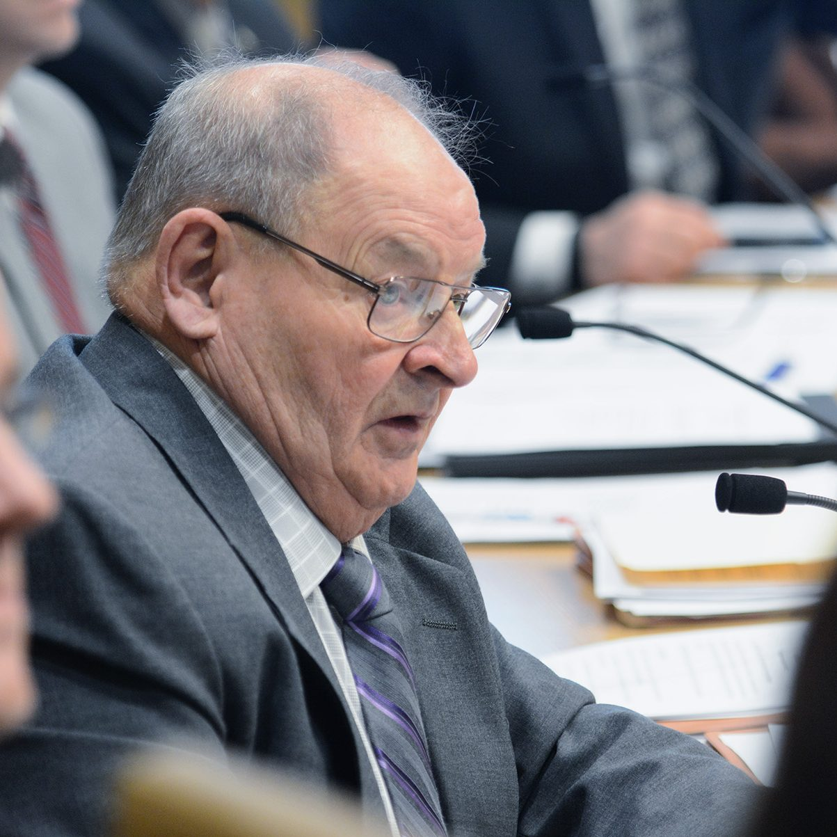 Sen. Gary Dahms hears testimony in committee