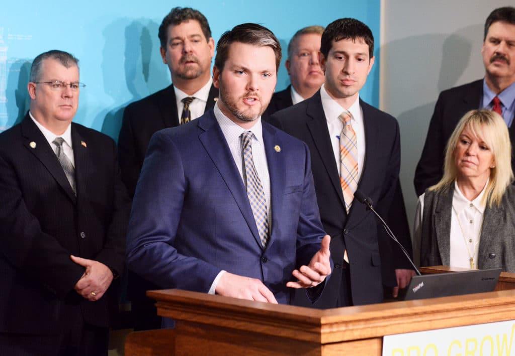 Sen. Johnson, Senate passes jobs budget that benefits Thief River Falls, Digi-Key